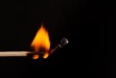 불에 타고 있는 성냥 템플릿
